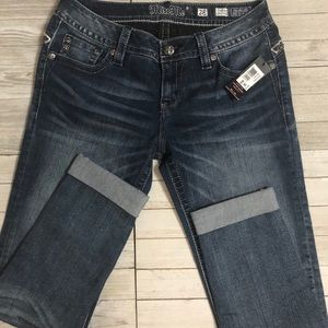 🆕 Cuffed Miss Me Carpi Jean